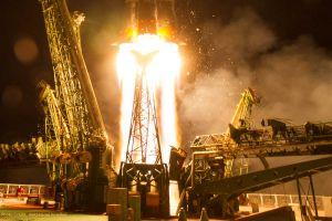 Sojus mit ESA-Astronaut Nespoli an der ISS angekommen
