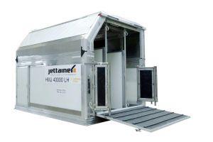 Jettainer platziert spezielle ULD zum Transport von Pferden