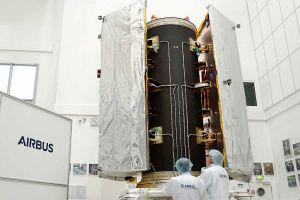 Dispenser für neue GRACE-FO-Satelliten besteht Tests
