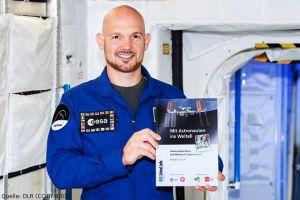 Schüler begleiten in Experimenten Astronauten ins All