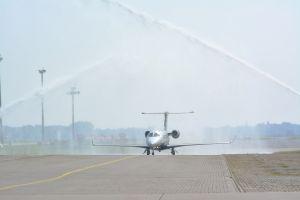 Embraer Phenom 300 in Bremen empfangen