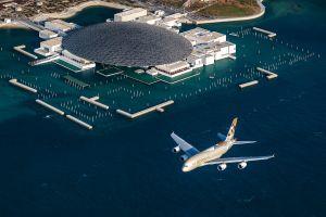 Show des Airbus A380 von Etihad übers Louvre Abu Dhabi