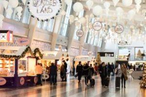 Weihnachtsmarkt am Flughafen Wien