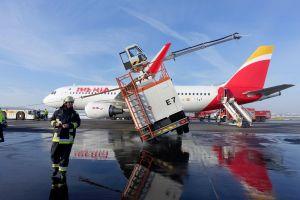 A320 rammte Enteisungsfahrzeuge in München