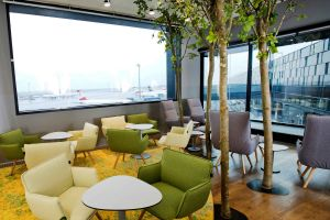 Lounge der Austrian Airlines am VIE in neuem Glanz