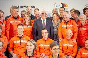 Athleten per 747-400 zu den Paralympics