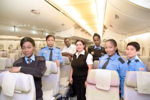 Frauen bei Emirates fliegen A380