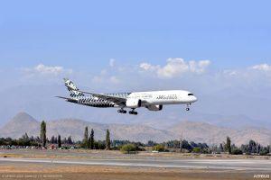 A350-900 MSN002 trifft zur FIDAE in Chile ein