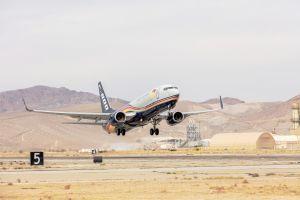 Boeing übergibt ersten Frachter 737-800BCF