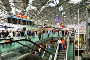 Passagierzahl und noch mehr Fracht am CGN legen zu