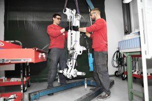 ADS-B, Heavy Maintenance und Repair in Einem für CL300