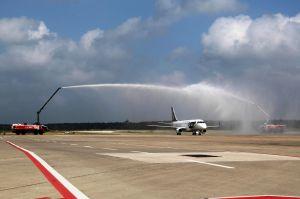 Embraer von LOT fliegt täglich Hannover – Warschau