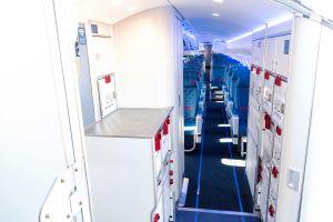 Bombardier CRJ mit neuer Kabine in Farnborough