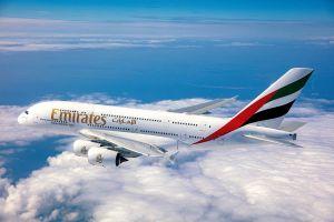 A380 von Emirates fliegt Premiere nach St. Petersburg