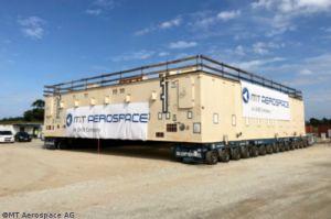 Plattform für Ariane 6 tritt Reise an