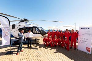 H135 VIP mit Helionix bei der HeliGroup