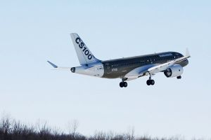 Bombardier spendet CS100 Flugzeug an Hochschule
