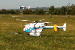 Hubschrauber im Verband – Unbemannt befolgt Formation