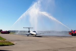 Business Jet Embraer Phenom 100 E am Bodensee