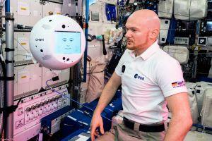 Künstliche Intelligenz bei der Arbeit: CIMON auf der ISS