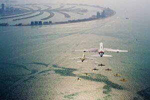 Formationsflug der Airliner über VAE