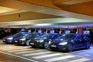 Tesla als Mietwagen: App bucht ab Flughafen Hamburg
