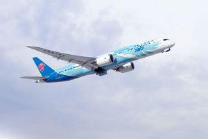 787. Boeing 787 Dreamliner ausgeliefert