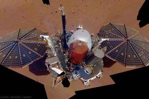 Marslander Insight erkundet Bohrstellen für Maulwurf