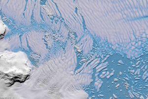 Radar aus dem All bringt Licht unters antarktische Eis