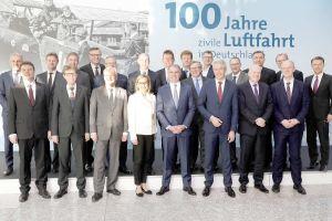 Branchen-Chefs feiern 100 Jahre Zivile Luftfahrt