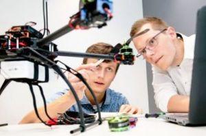 LHT: Drohnenkompetenzen fürs Business bündeln