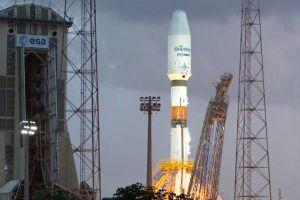 Soyuz bringt erste OneWeb-Satelliten ins All