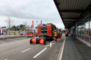 Rettungkräfte für Brandeinsatz am FKB