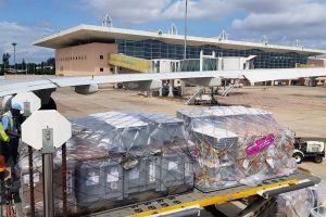 Airbus belädt Testflugzeug A330neo mit Hilfsgütern