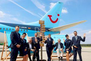 Boeing 737 von TUI fly hob von Heimat Nürnberg ab