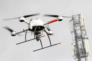 Flugsicherheit bei Drohnen durch Ortung über Mobilfunk