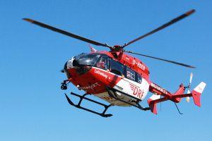 Hubschrauber der DRF fliegt mit Blutprodukten an Bord