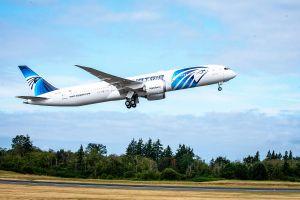 Egyptair holt 787 Dreamliner mit Biosprit heim