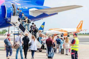 Berlin: Flugbetrieb zur Reisewelle reibungslos