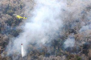 Flug- und Mannstunden zur Feuerbekämpfung in Bolivien