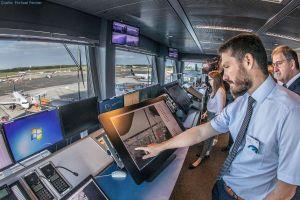 Praxistest für Lotsen: Flugzeuge auf Vorfeld optimiert