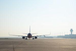 Querwindbahn für Flugverkehr am Köln Bonn Airport