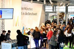 Berufsmesse für Schüler am Flughafen München