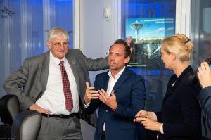 Staatsminister Thorsten Glauber zu Besuch beim DLR