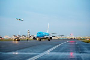 KLM empfängt neue Boeing 737-800 aus Seattle
