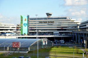 Bombe mit Zeitzünder behindert Flughafen-Anfahrt