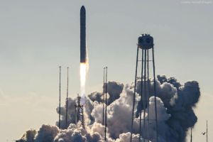 Raketenstart mit Cygnus live im NASA-TV