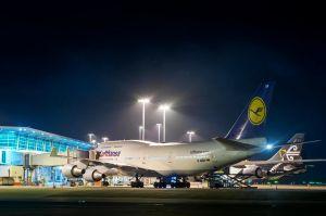 Lufthansa holt mit zehn A380 und B747 Deutsche zurück