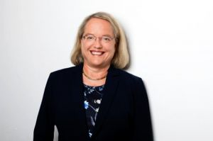 Kerstin Böcker neue Personalchefin bei der DFS