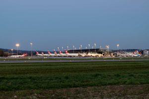 Corona: Schnelltests am Flughafen Zürich